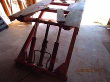 Norco Hydraulic Floor Hoist