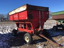 Lundell 1290 Gravity Wagon