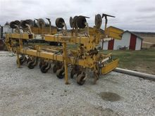1989 Buffalo 4630 Cultivator