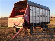 2000 Gehl BU980 Forage Wagon