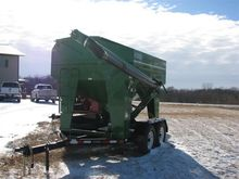 2016 Patriot 220 Seed Tender