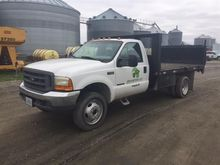 2000 Ford F-550 4x4 Flatbed Pic