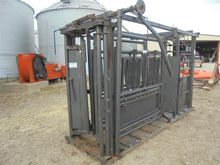 S & R Mfg Squeeze Chute