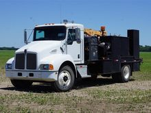 2003 Kenworth T-300 Mobile Serv