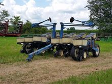 Kinze EF Planter