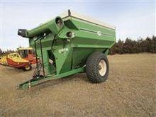 J & M 750 Grain Cart