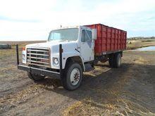 1989 International S1700 Grain