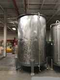 2500 gallon STAINLESS STEEL TAN