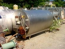 600 gallon STAINLESS STEEL HORI