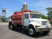 2002 International 4900 DOT COD