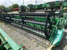 John Deere 920 Grain Head with