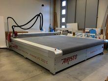 ARISTO LFC 3332C Cutting Table