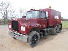 1976 MACK R686ST