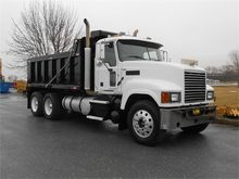 2012 MACK PINNACLE CHU613