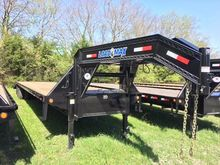 "2017 Load Trail 102"" x 32' Tand"