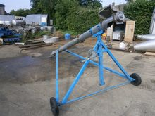 "AUGER 6"" AUGER ON A TROLLEY"