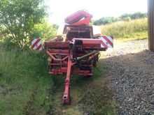 2000 GZ1700DLS POTATO HARVESTER