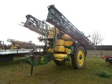 2011 840I TRAILED SPRAYER