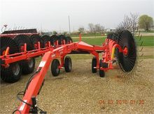 New 2015 KUHN SR314