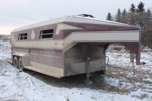 Norbert MFG 21ft 5th wheel tand