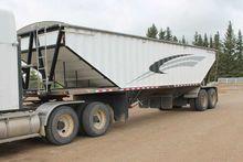 2006 Doepker 36ft grain trailer