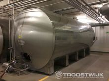Stainless steel tanks and conta