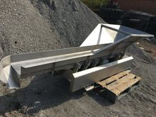 Blackrow vibratory feeder conve