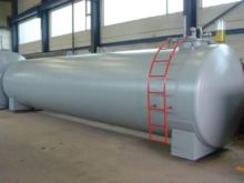 Fuel tank heating oil reservoir