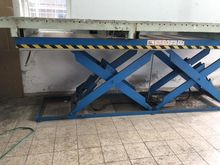 2000 Gruse Eilt 3-13 Lift table