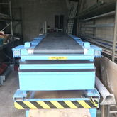 1999 Caljan telescopic conveyor