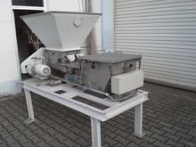 1992 screw dosing unit