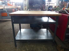 Used Work bench in N