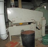 Sieve cleaners for grain sieves