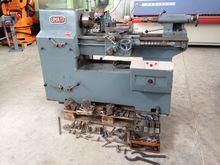 Uma 17 Turning Machines (Lathes