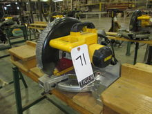 Dewalt 10in Meter Compound Saw,
