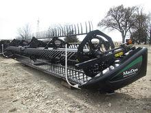 2015 MacDon Industries FD75 372