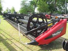 2015 MacDon Industries FD75 369