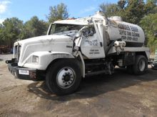2001 Freightliner® FL70 Dismant