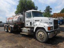Used 1996 Mack Truck
