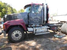 Used 1998 Mack Truck