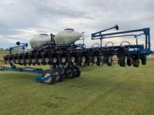 Used Kinze Planters Row Units for sale  Kinze equipment