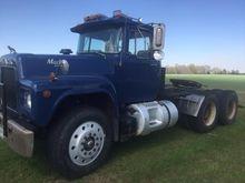 1985 MACK R688ST