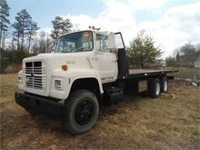 1989 FORD F8000