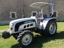 2016 Eurotrac F40-II Farm Tract