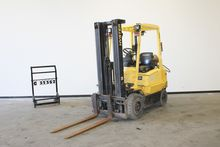 Used 2002 HYSTER H1.