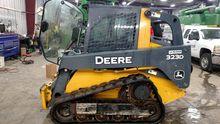 2011 John Deere 323D 53308