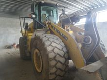 2004 New Holland w 270