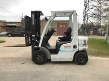 2013 UNICARRIERS MY1F2A20