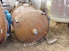 350 Gallon Fiberglass Mix Tank.