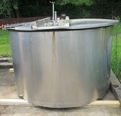 875 gallon stainless steel tank